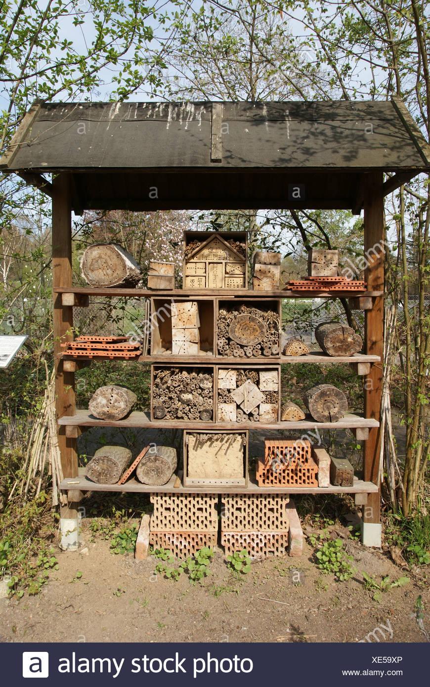 Nisthilfen für Insekten - Stock Image