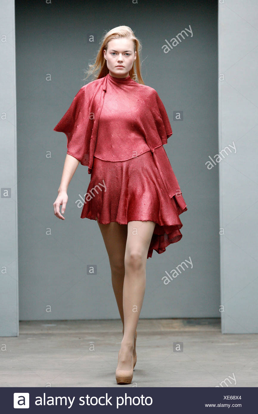 19f67a5d032 Mark Fast London Ready to Wear Autumn Winter Red short cape dress ...