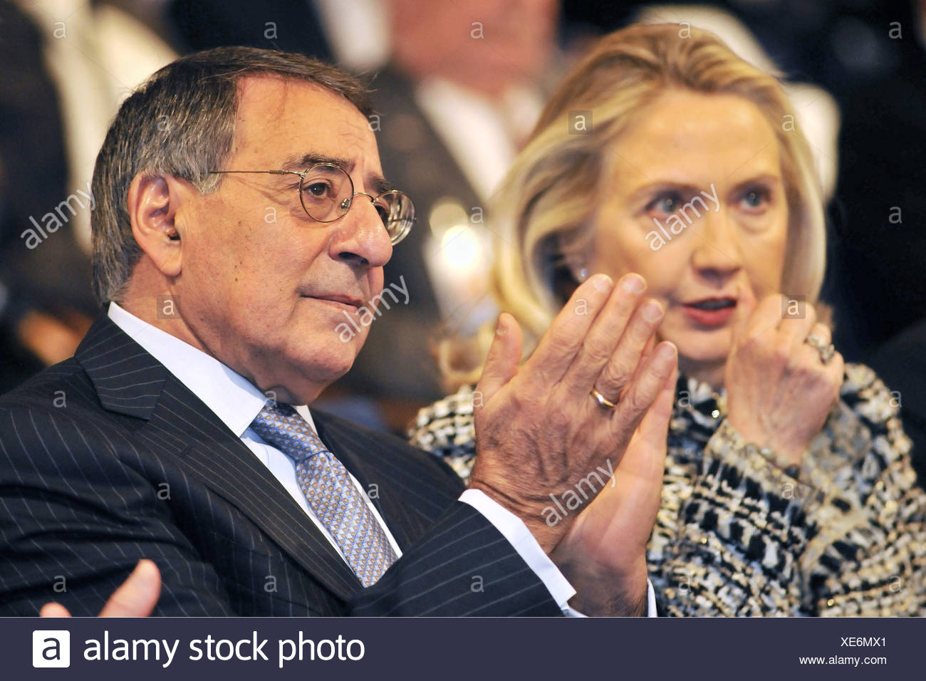 Panetta, Leon, * 28.6.1938, American politician (democrat), half length, with American Foreign minister Hillary Cinton, members on the Munich Conference on Security Policy, Hotel Bayerischer Hof, Munich, Germany, 4.2.2012, Additional-Rights-Clearances-NA - Stock Image