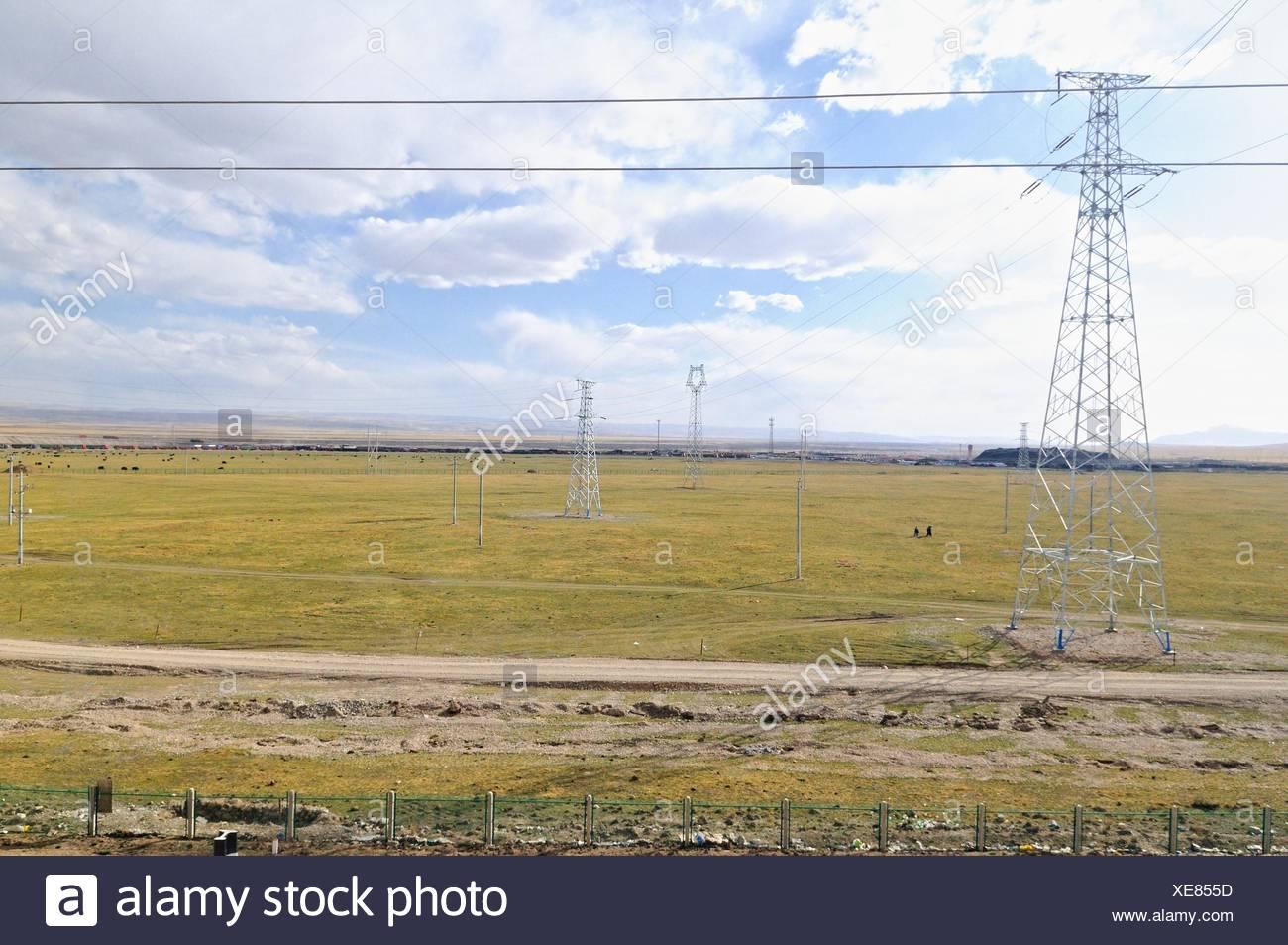 Living next to the Tibet Railway - Stock Image