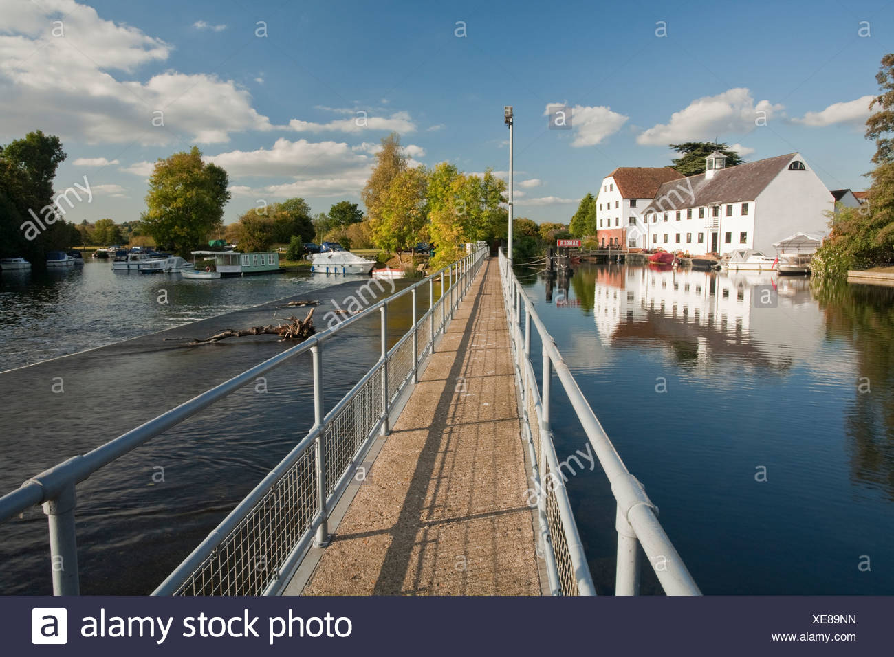Hambleden Weir on the River Thames near Henley, Oxfordshire, Uk - Stock Image