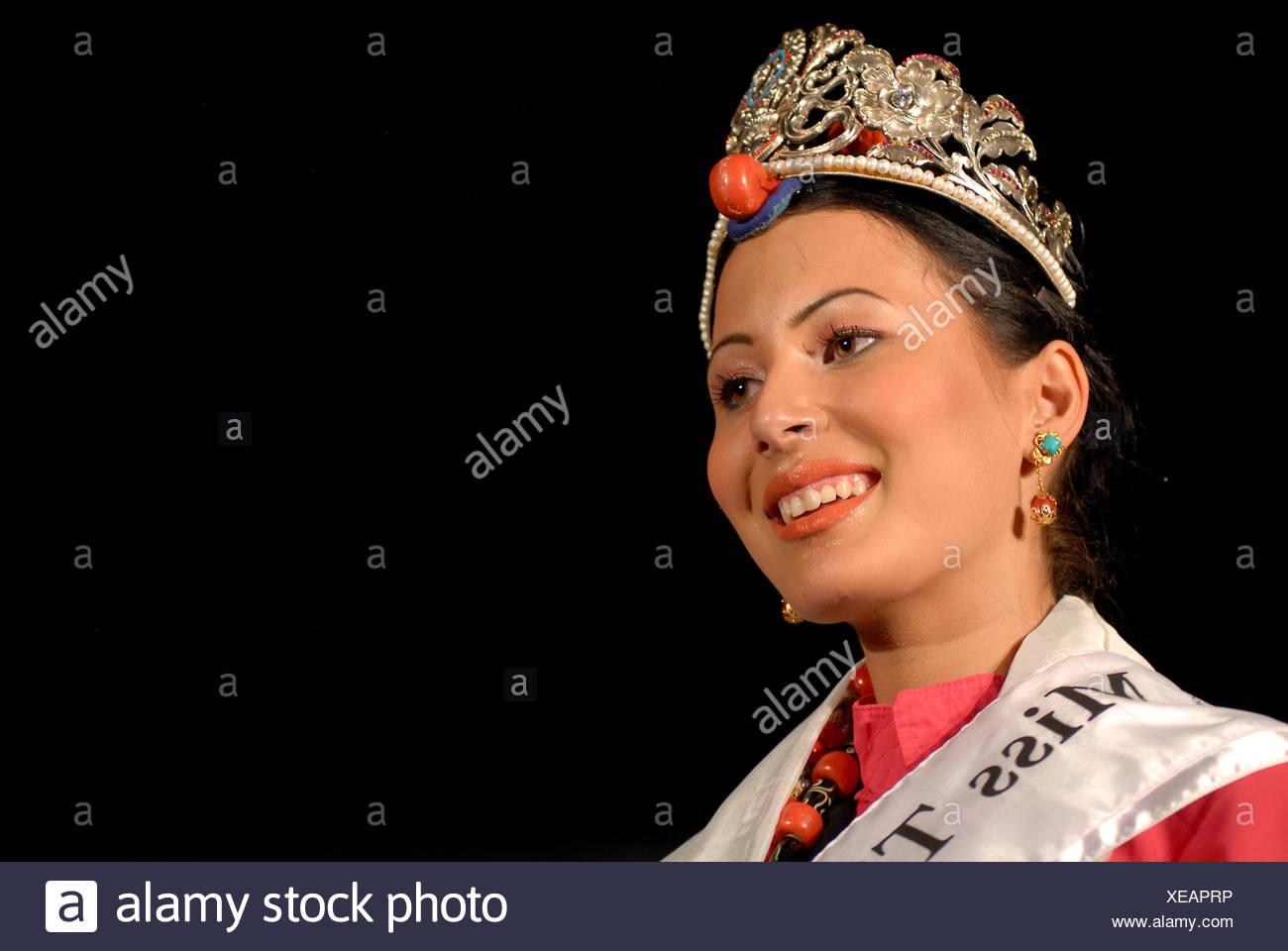 Winner of the Miss Tibet in Exile 2011 beauty contest, Tenzin Yangkyi in Dharamsala, McLeod Ganj, Himachal Pradesh, Himalayas - Stock Image