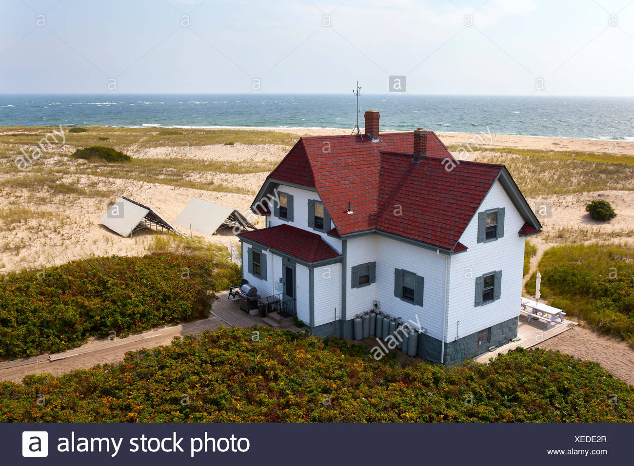 provincetown cottages rotation breakfast ma snug in massachusetts home bed cottage and