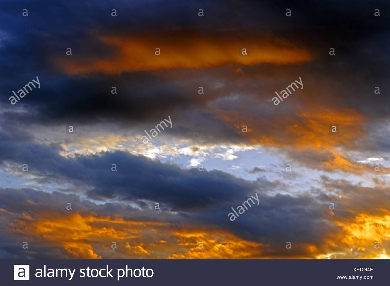 Europe, France, FR, Auvergne, Vichy, evening sky, sky, mood, clouds, - Stock Image
