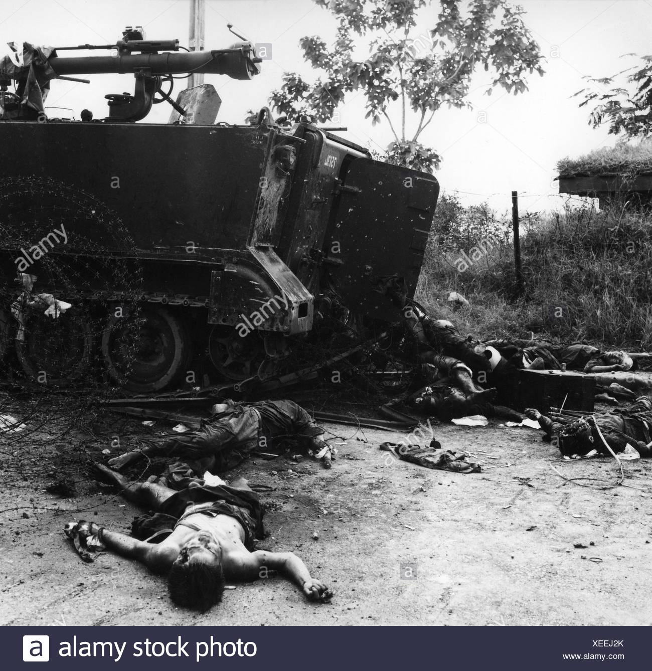 events, Vietnam War, dead bodies and a destroyed military vehicle after a Viet Cong attack on Phnom Penh, the capital of Cambodia, 7.10.1972, Additional-Rights-Clearances-NA - Stock Image