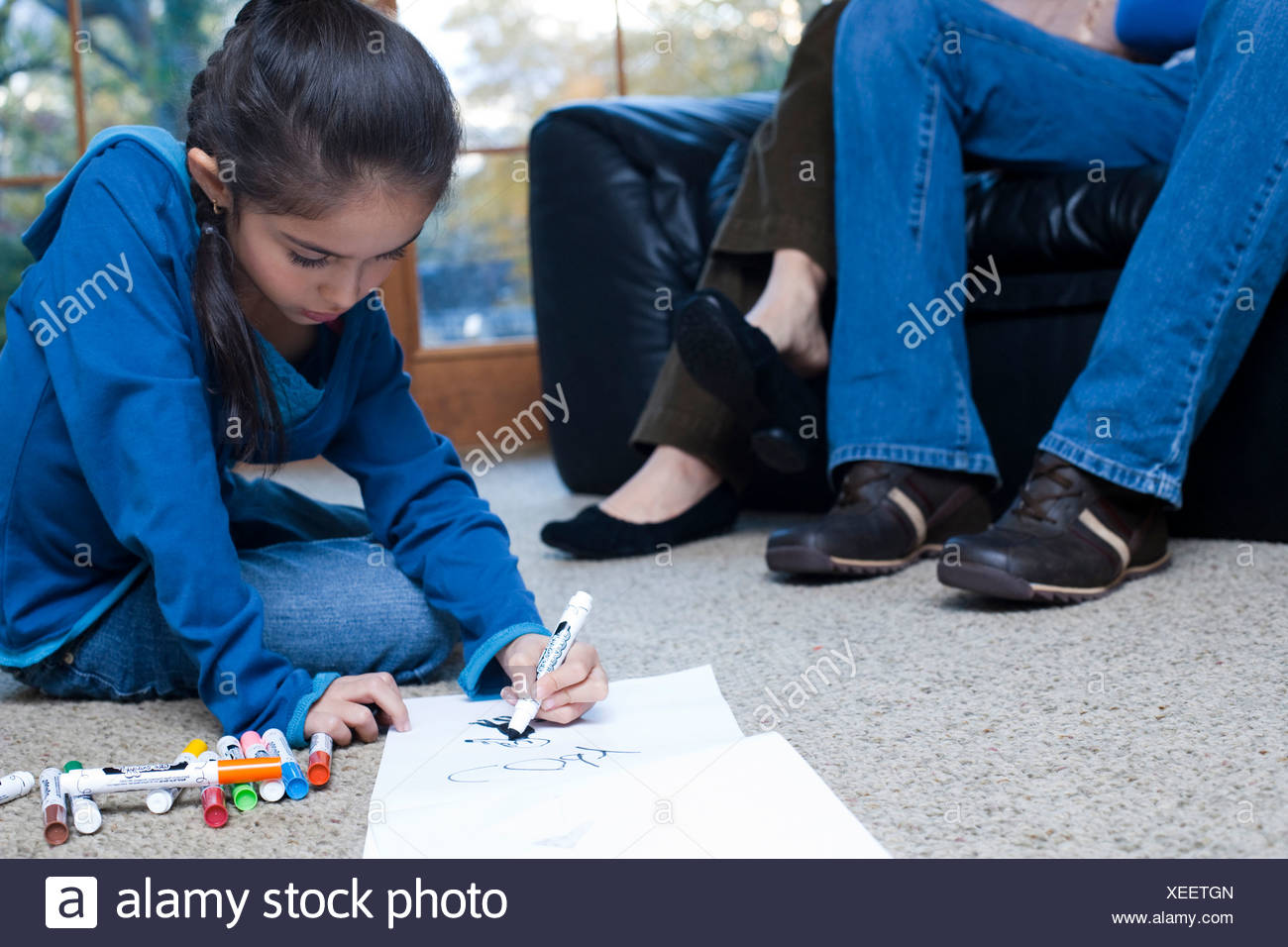 Young girl coloring with markers Stock Photo: 284297685 - Alamy