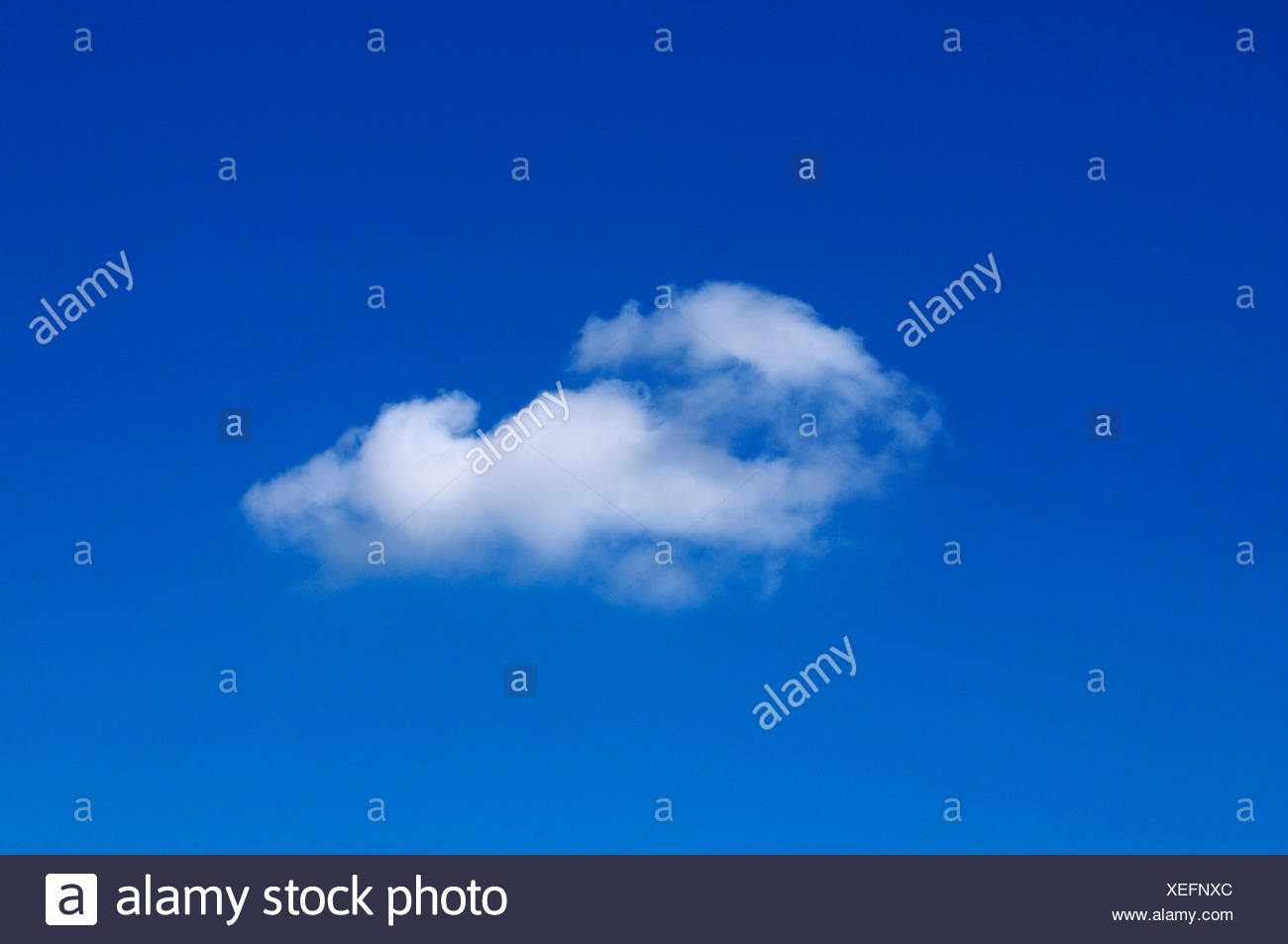 Cirrostratus cloud on blue sky - Stock Image