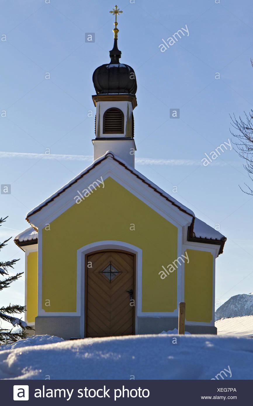 Deutschland, Oberbayern, Kapelle Maria Rast im Karwendelgebirge - Stock Image