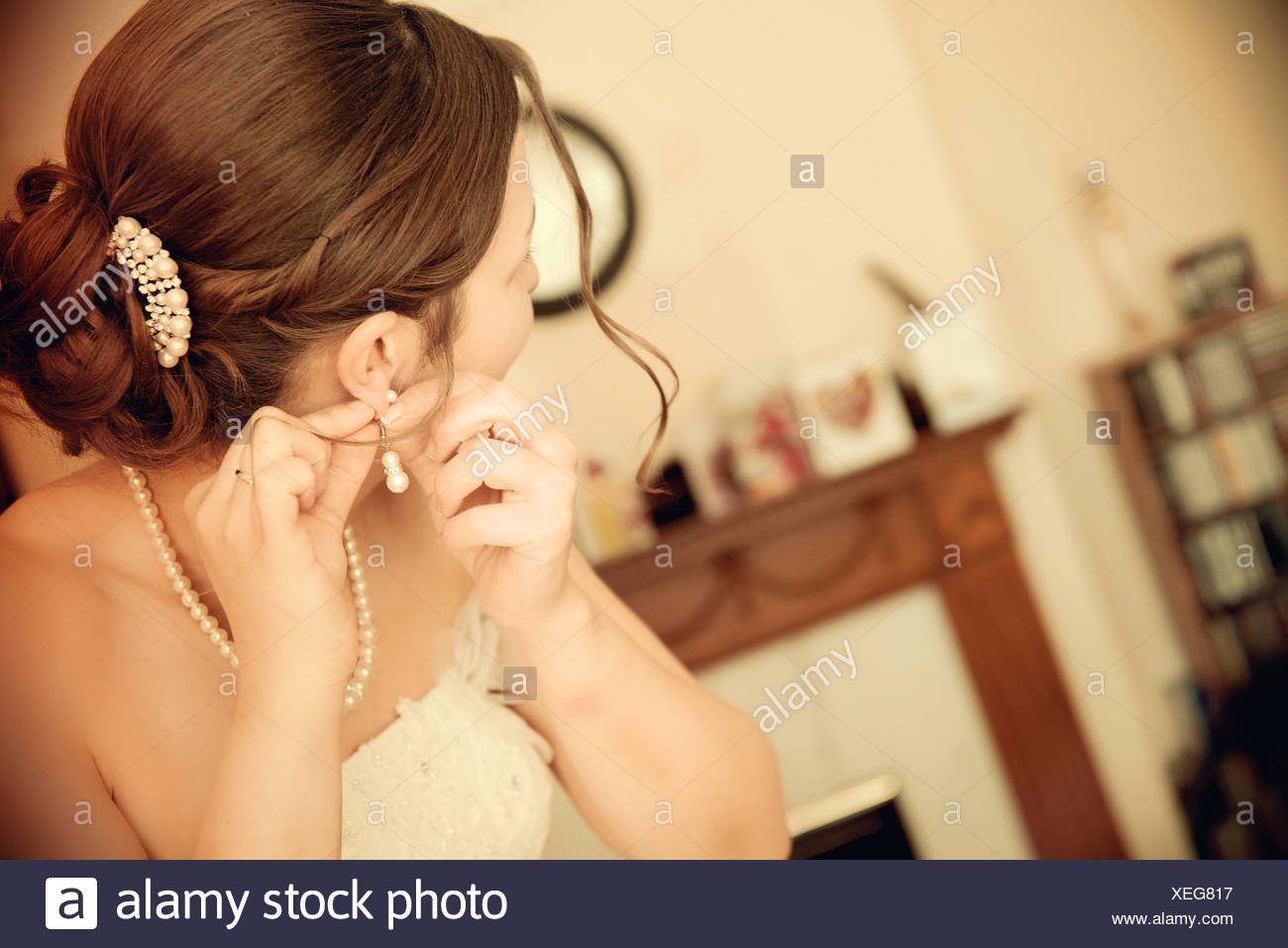 Bride preparing for wedding - Stock Image
