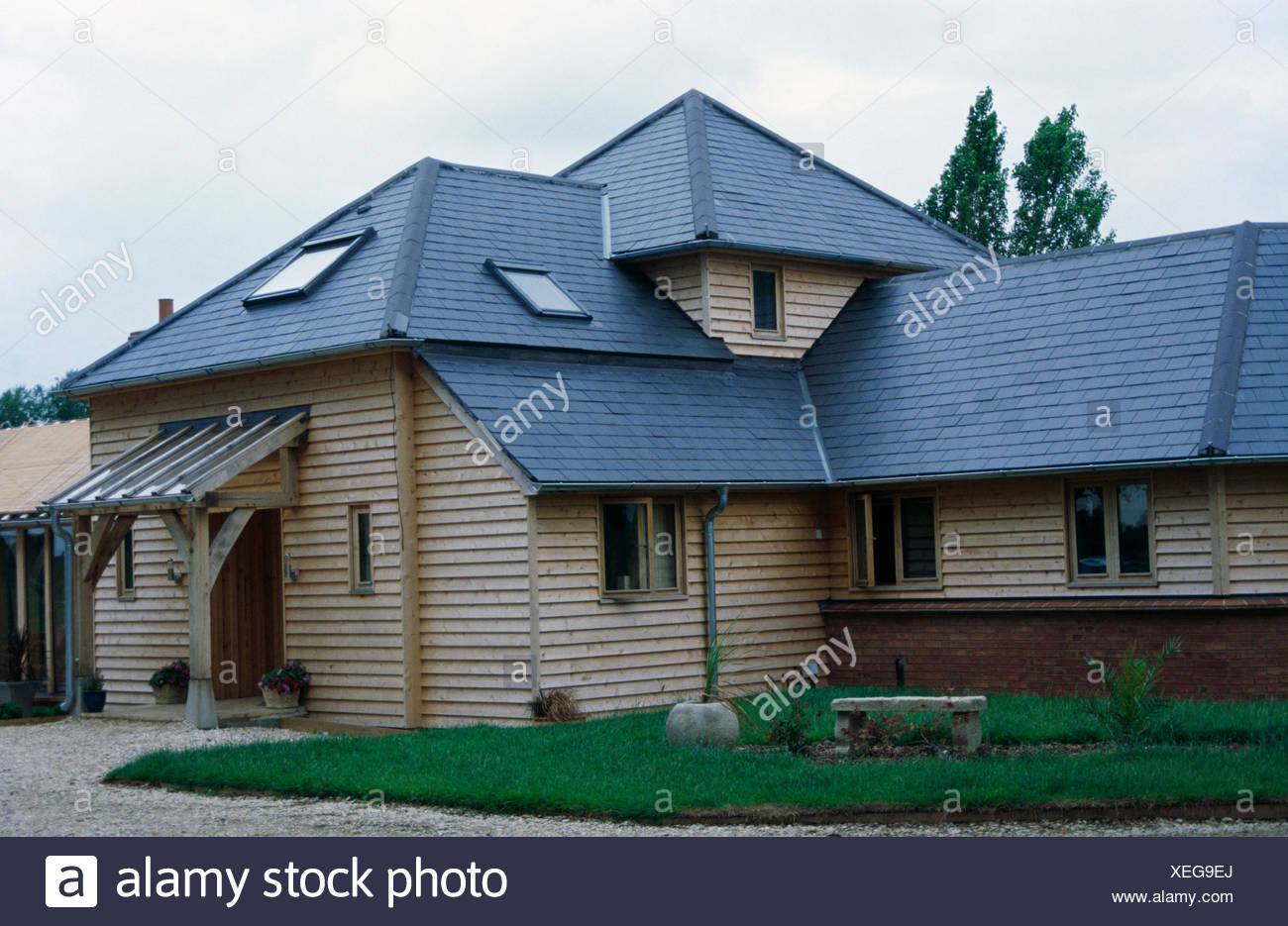 Slate Roof Modern House High Resolution Stock Photography And Images Alamy