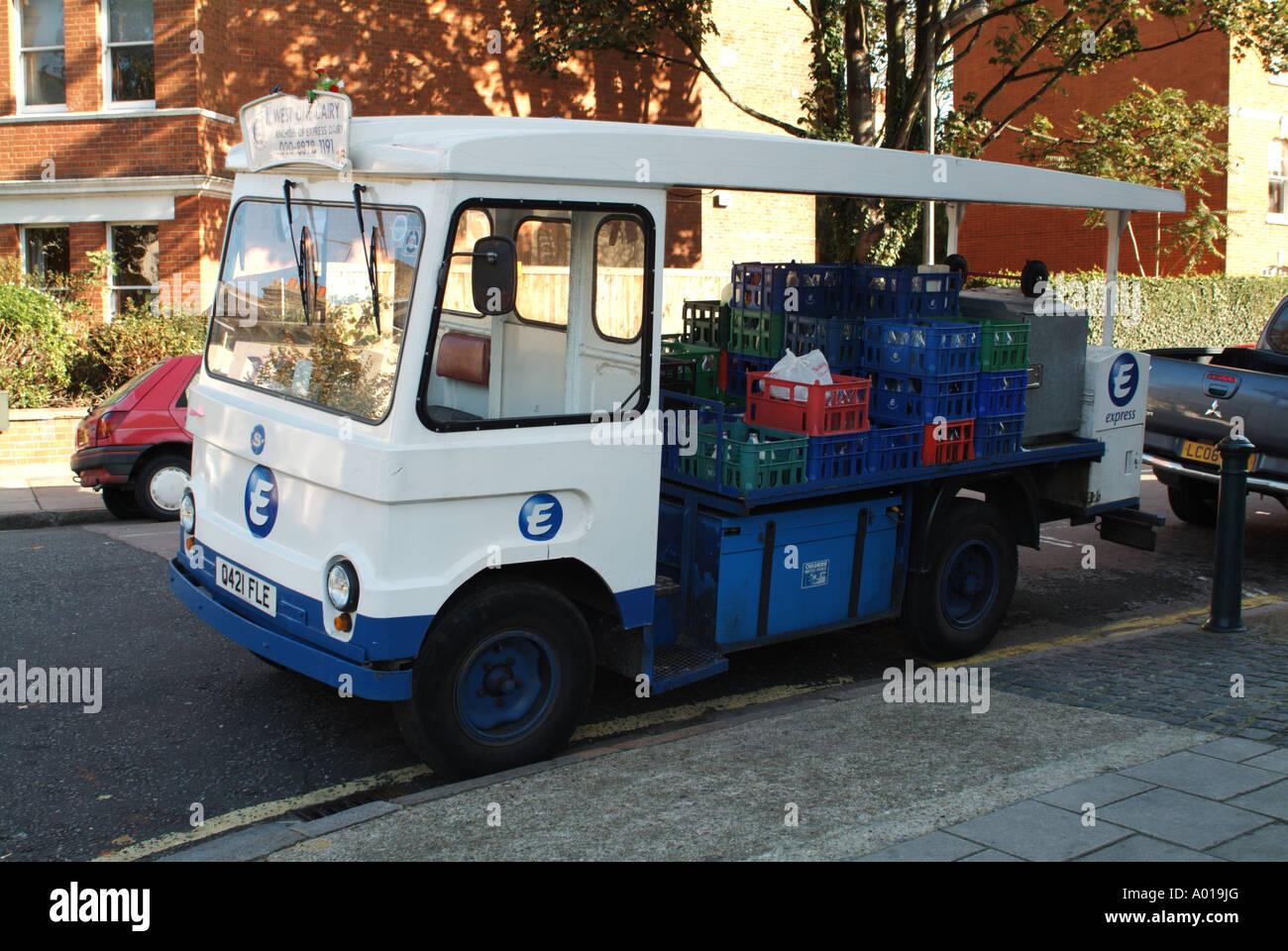 An Express Dairy Milkfloat In London England Uk Stock