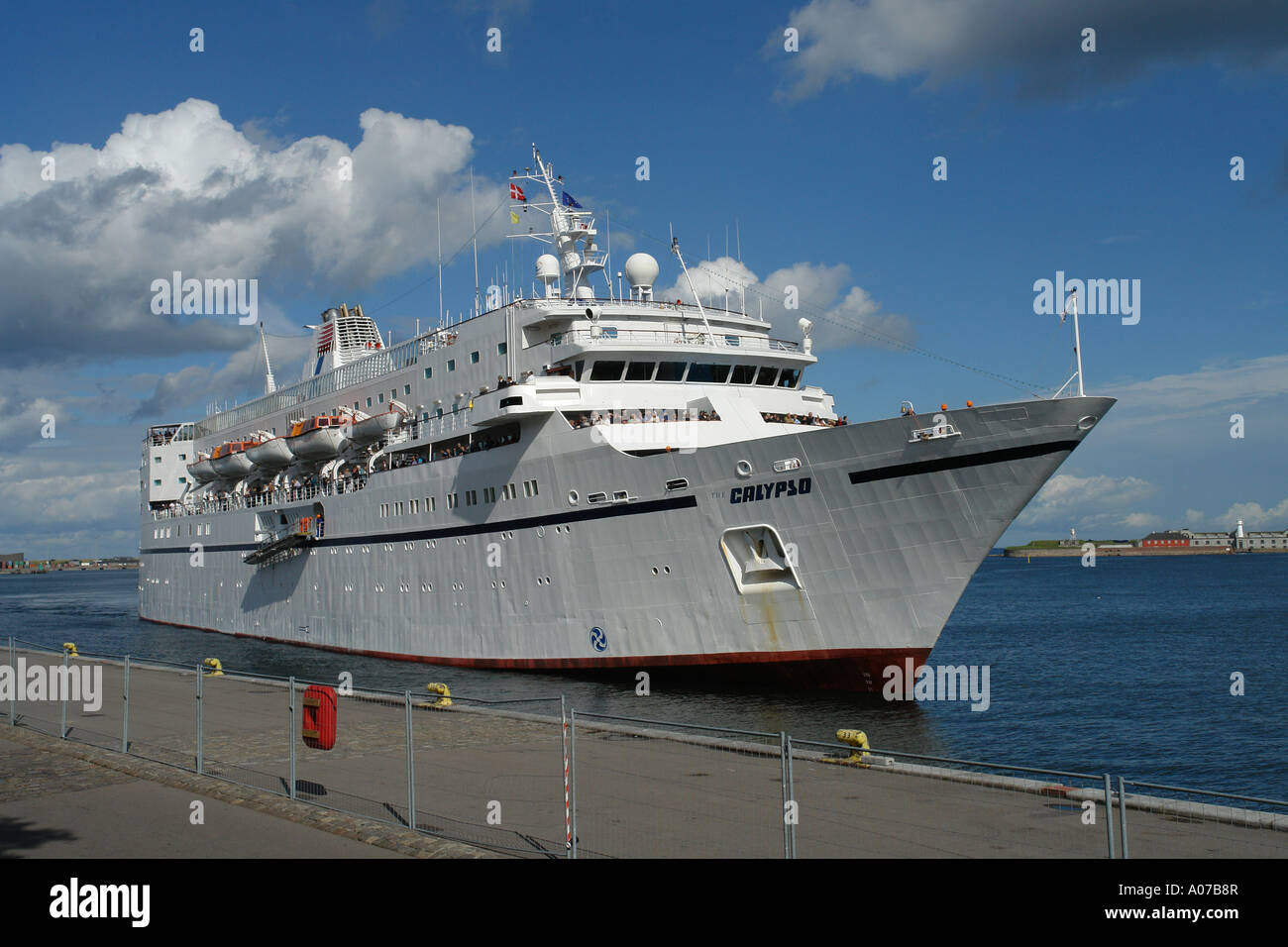 Veteran Cruise Ship Calypso Arriving At Langelinie In Copenhagen - Cruise ship copenhagen