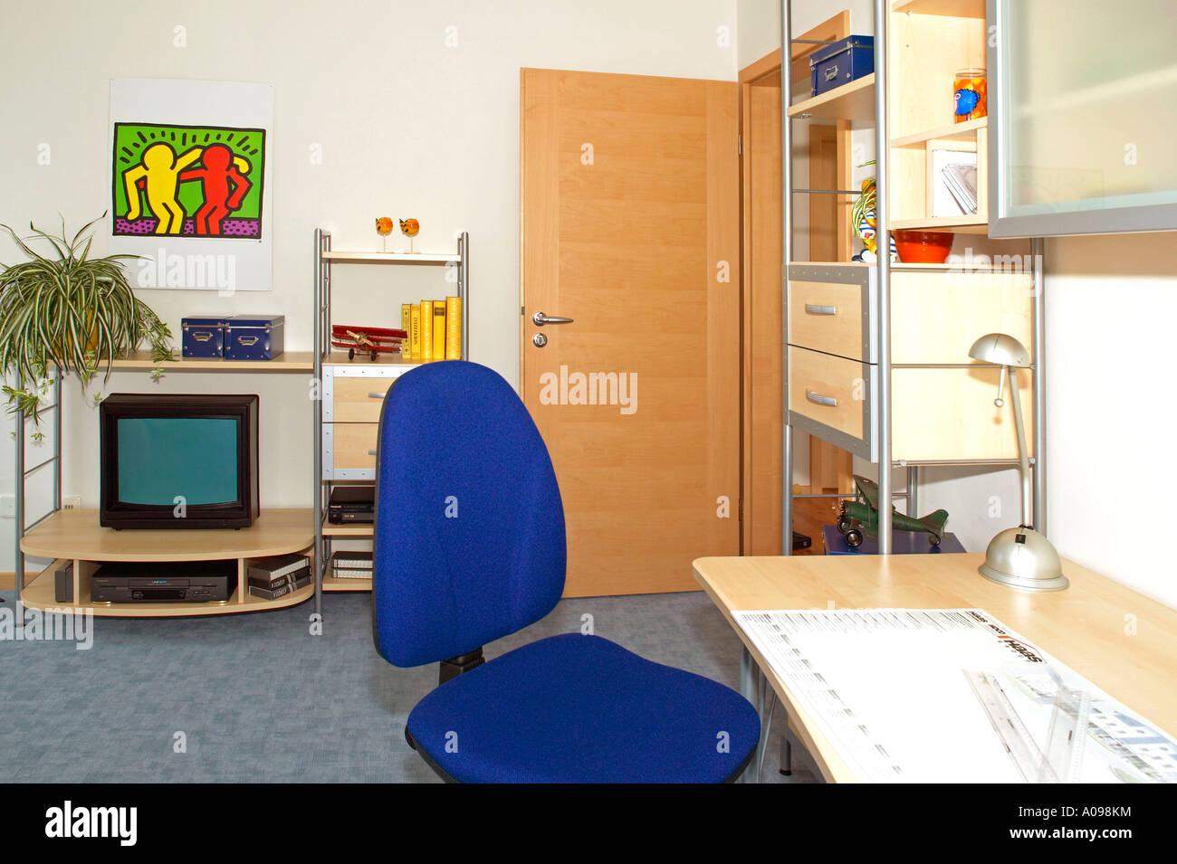 Einfamilienhaus innen Arbeitszimmer, single family home inside Stock ...