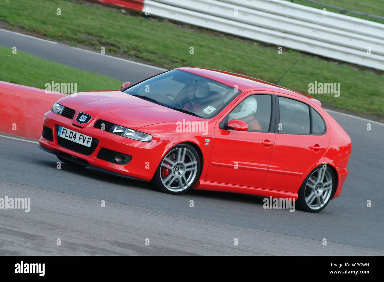 red seat leon cupra 2004 car on race track in the uk stock photo 9943664 alamy. Black Bedroom Furniture Sets. Home Design Ideas