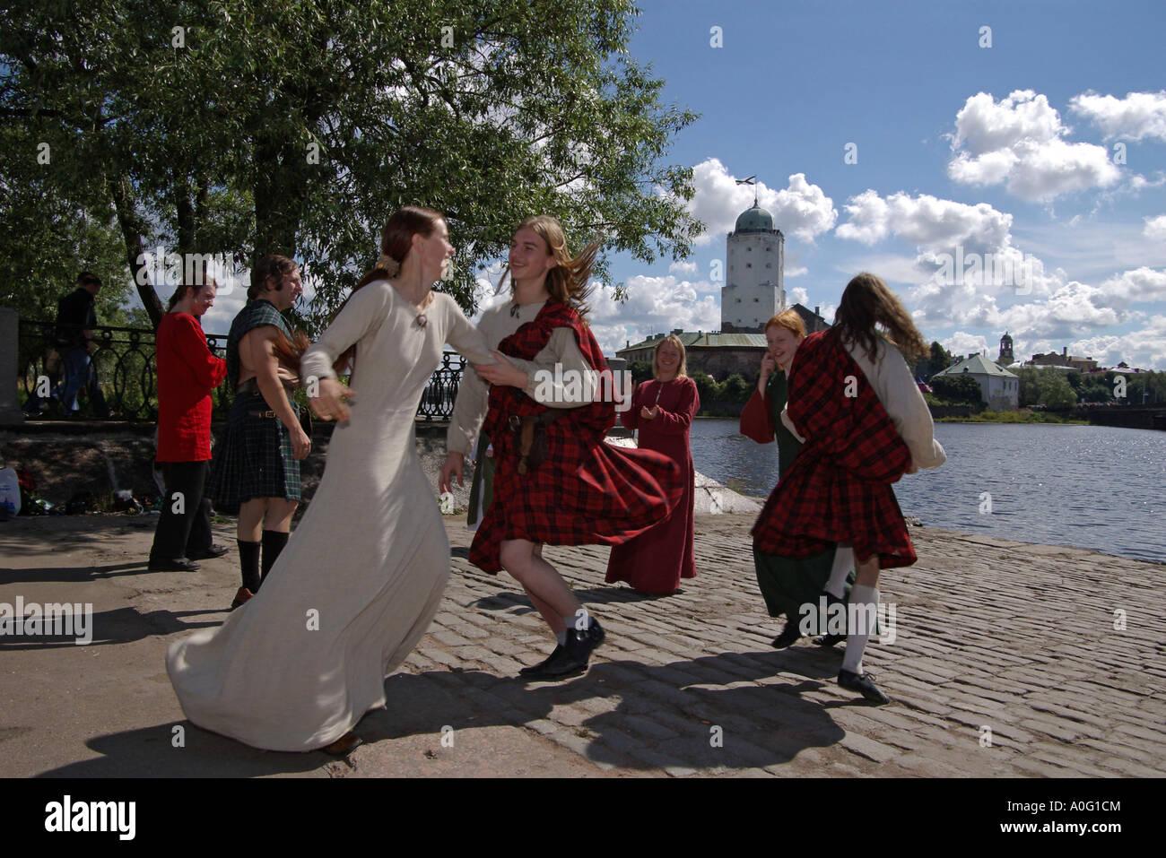 Medieval folk dancing look