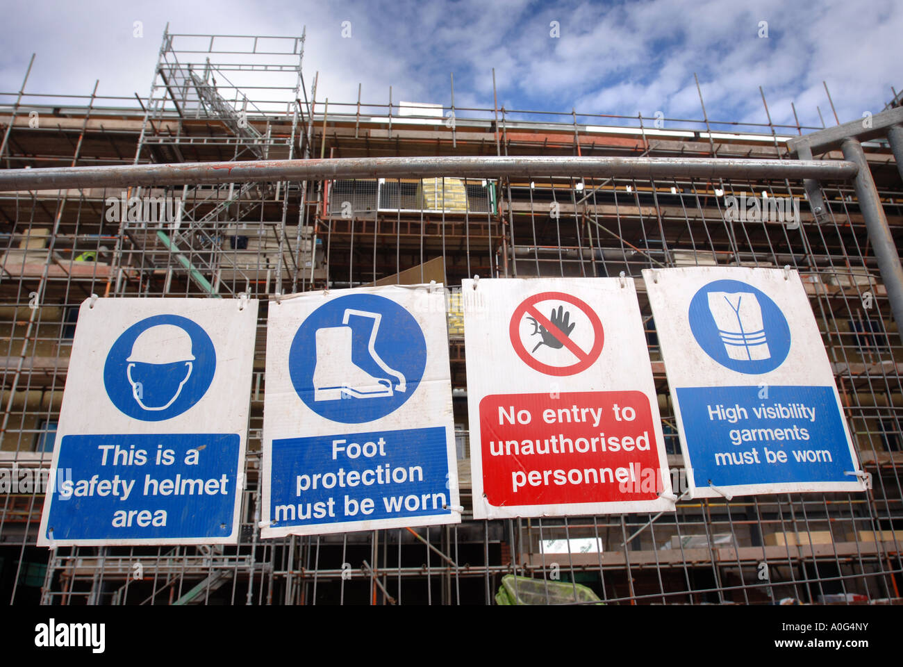 SAFETY SIGNS ON A CONSTRUCTION SITE UK Stock Photo ...