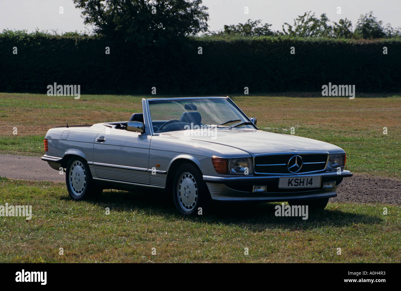 mercedes benz sl 1970 to 1989 500sl r107 stock photo royalty free image 5711986 alamy. Black Bedroom Furniture Sets. Home Design Ideas