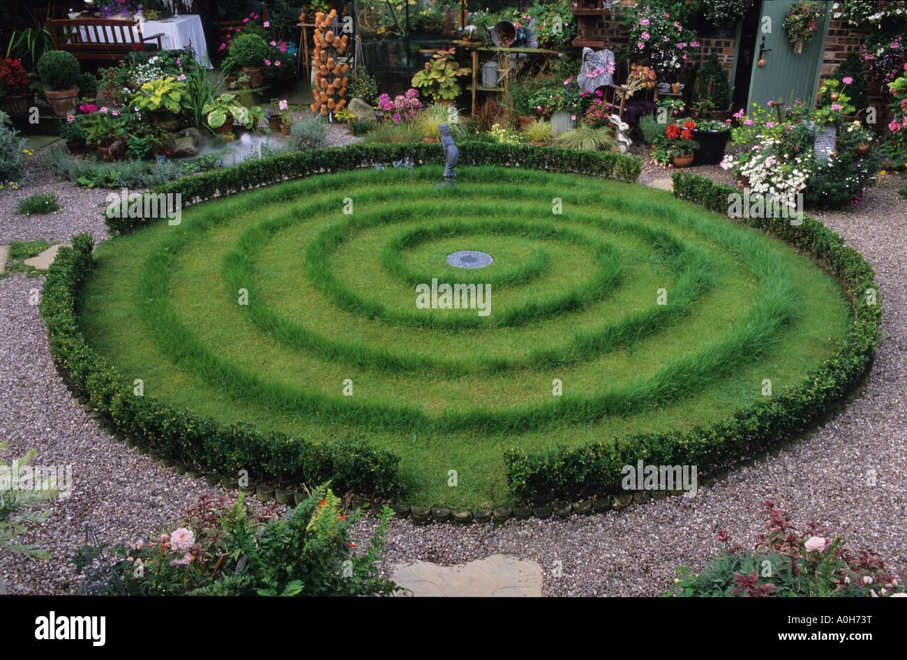 Woodside rd chester small suburban town garden with for Circular lawn garden designs