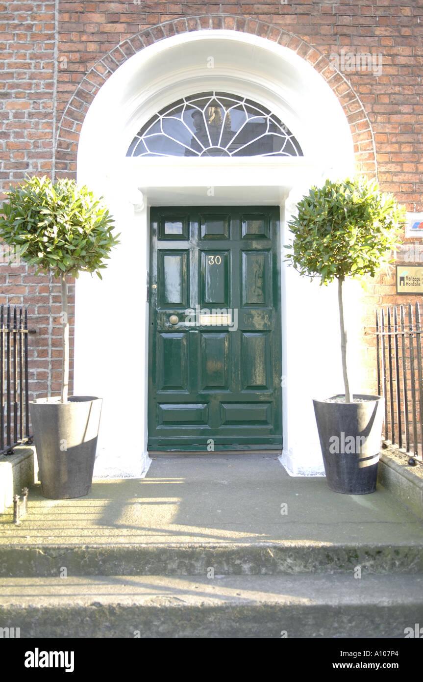 green door entrance georgian houses merrion street dublin eire