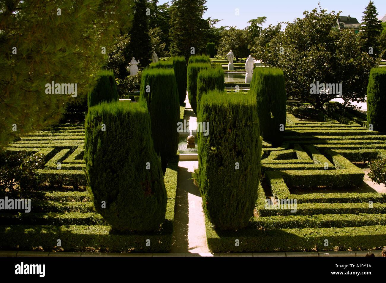 Spain madrid royal palace palacio real jardines de las for Jardines de las vistillas