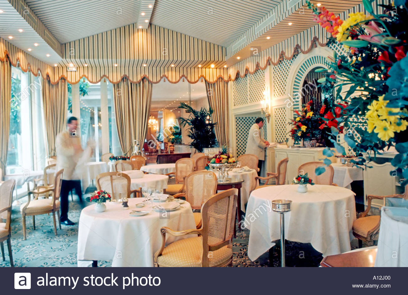 France paris french restaurant le bristol haute for Restaurant cuisine francaise paris