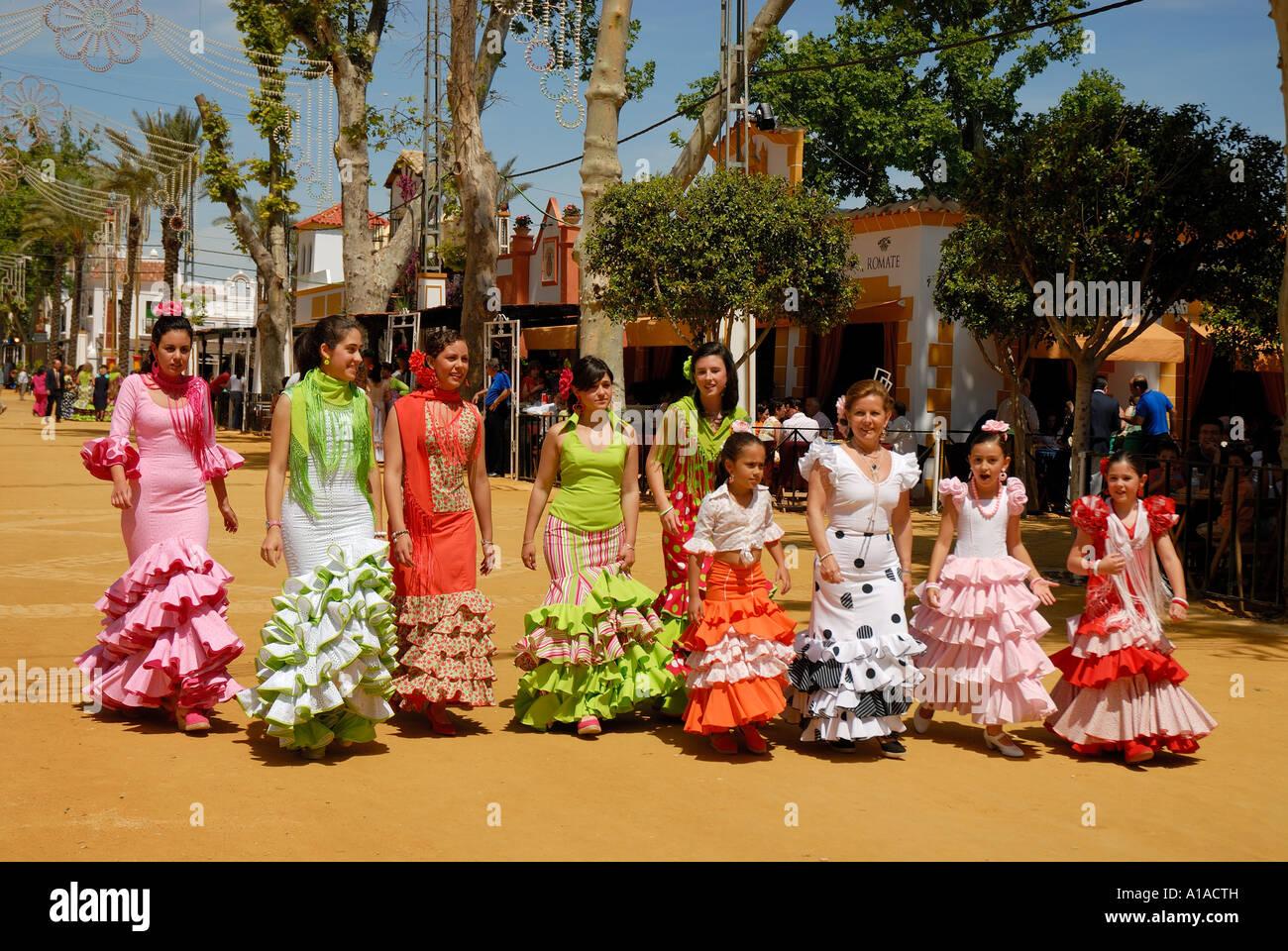 Girls in traje de gitana feria de caballo jerez de la for Muebles en jerez dela frontera cadiz