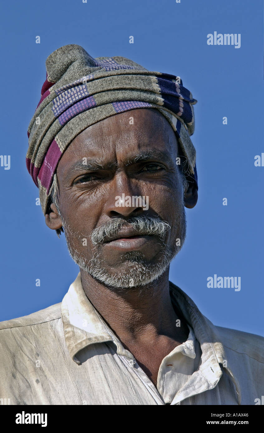 Indian Labourer <b>Western Province</b> Saudi Arabia Stock Photo - indian-labourer-western-province-saudi-arabia-A1AX46