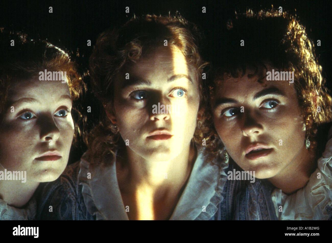 Remando Al Viento Year 1987 Director Gonzalo Suarez Lizzy McInnerny Valentine  Pelka Elizabeth Hurley