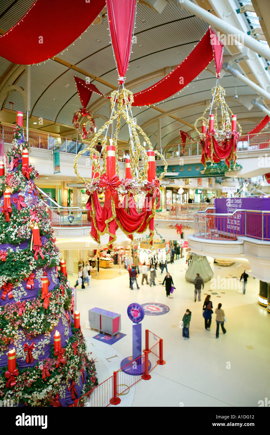 Christmas decorations at mall all ideas about christmas for Retail christmas decorations ideas