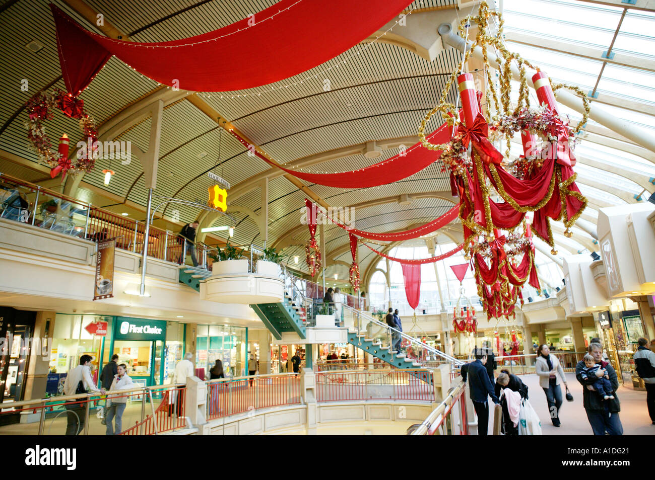 Decorating Ideas > Ideas About Shopping Mall Christmas Decorations,  Easy  ~ 123946_Christmas Decoration Ideas Mall