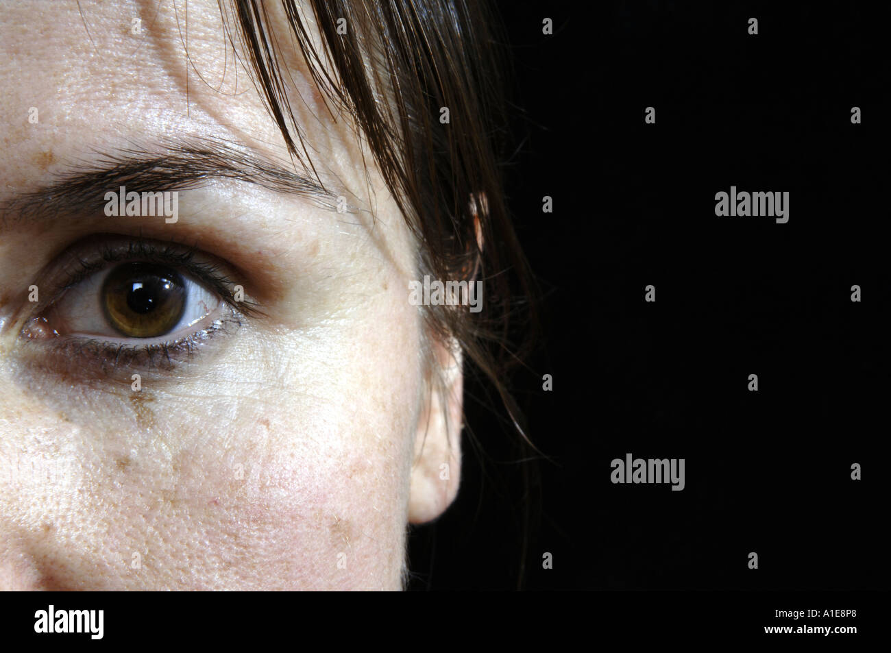 Black Background Brunette Close Up Faces Profile Wallpaper - WallDevil