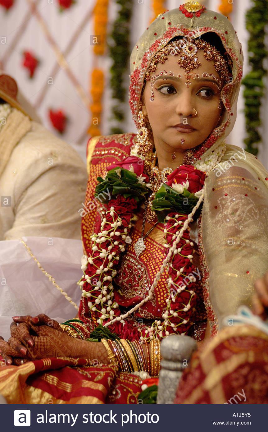 Garland hindu wedding