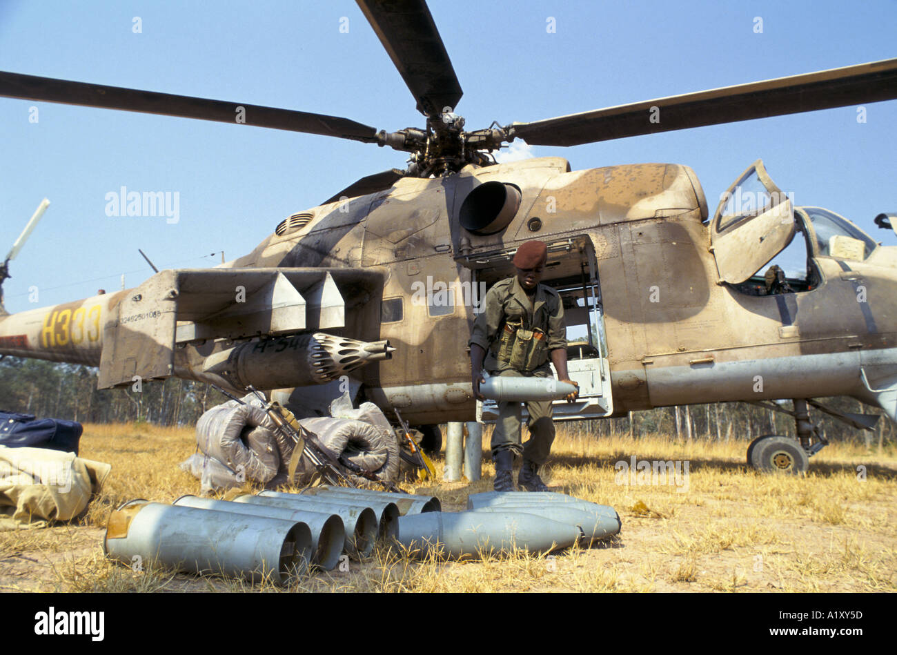 http://c8.alamy.com/comp/A1XY5D/angola-civil-war-aug-1993-soviet-made-helicopter-loaded-with-government-A1XY5D.jpg