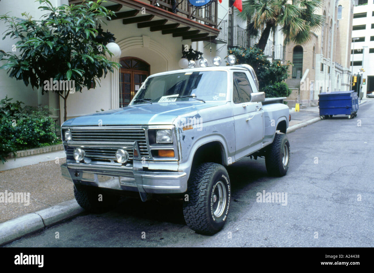 American Pick Up Truck Stock Photos & American Pick Up Truck Stock ...