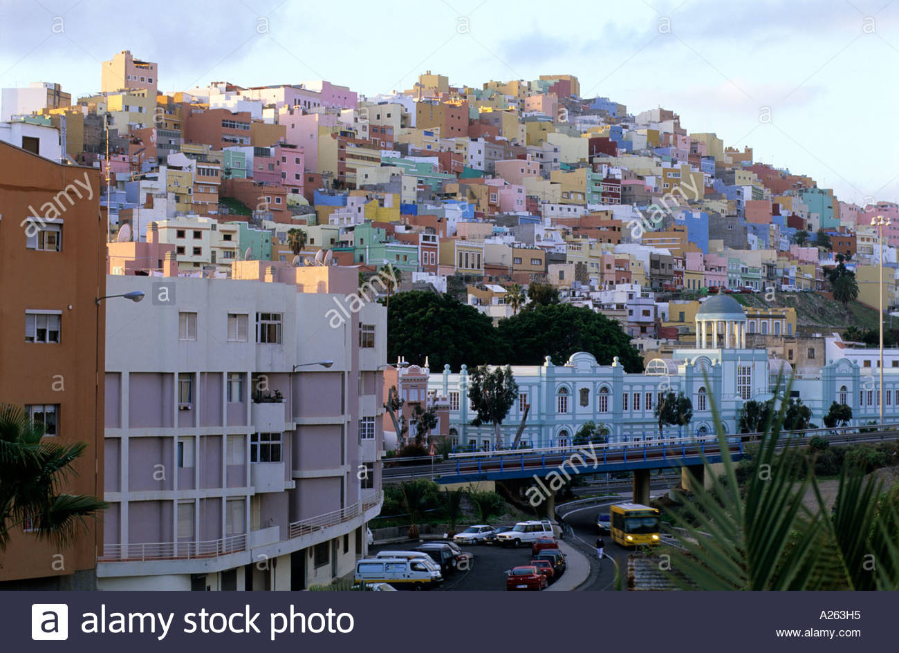 Pastel coloured houses las palmas gran canaria canary - Houses in gran canaria ...
