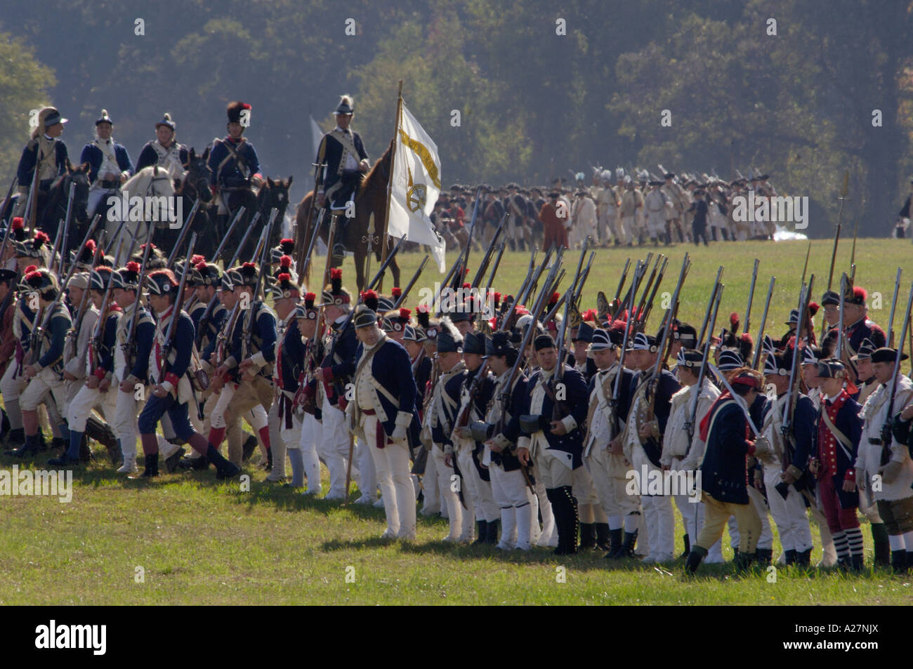 continental army vs british redcoats a Introduction the british army and the continental army had similarities and differences but they were both powerful armies that fought each other during the revolutionary war.