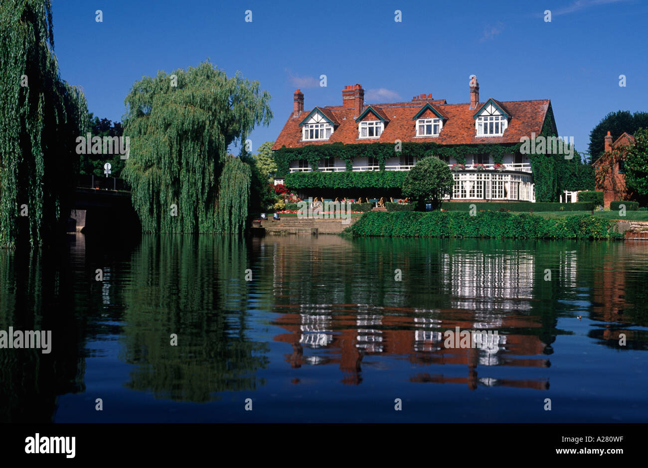 The french horn luxury hotel and restaurant overlooking backwater of river thames at sonning berkshire