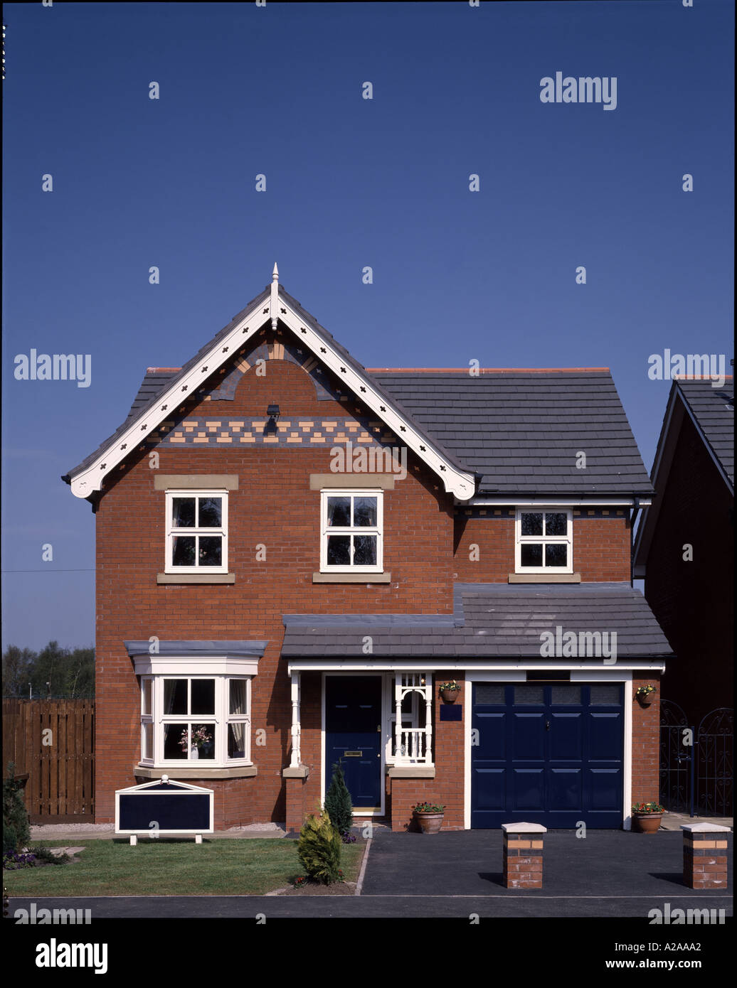 Front Elevation Of Houses In Uk : Front elevation of ordinary red brick pitched roof