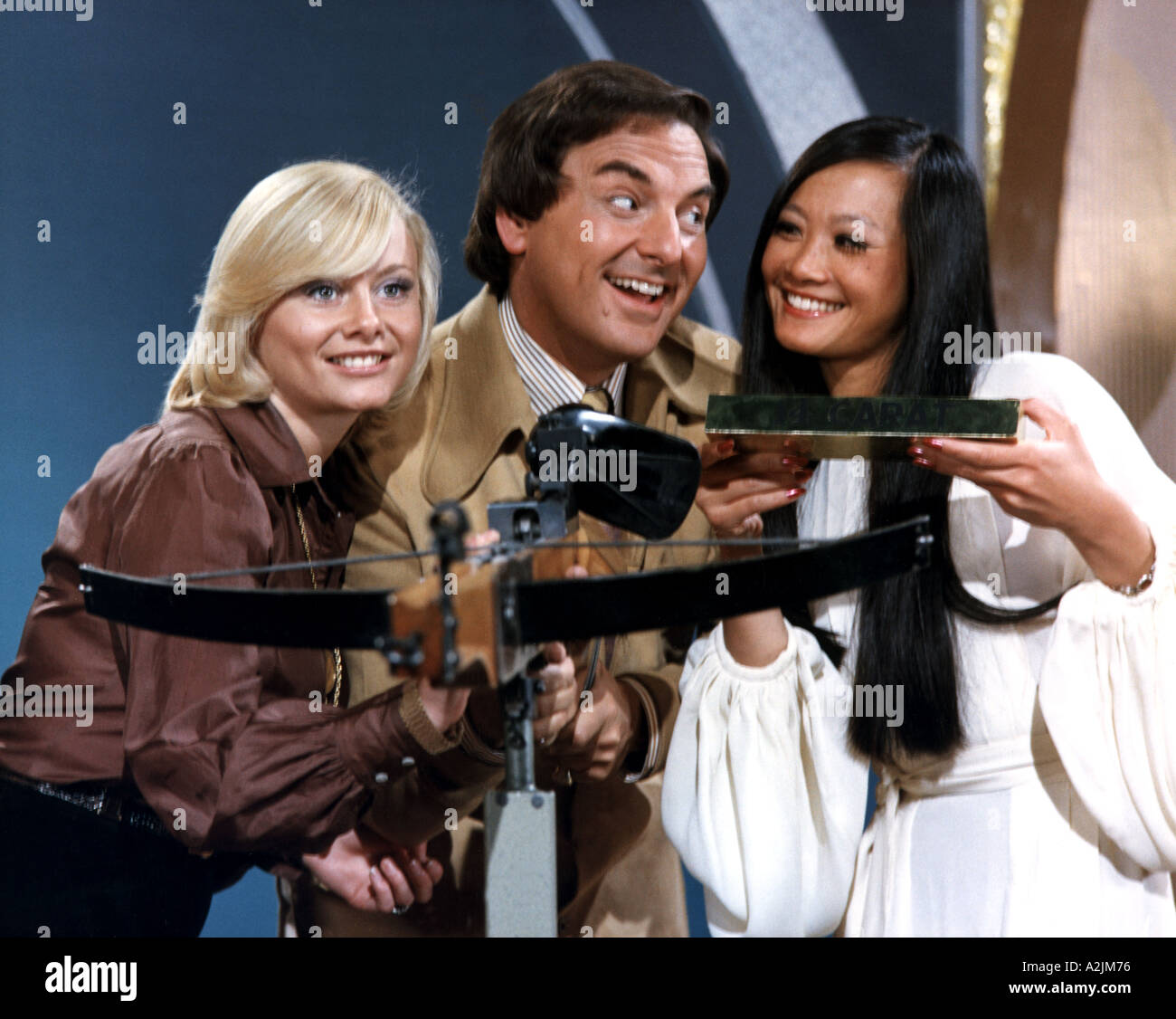 THE GOLDEN SHOT UK TV Series With Bob Monkhouse And Ann