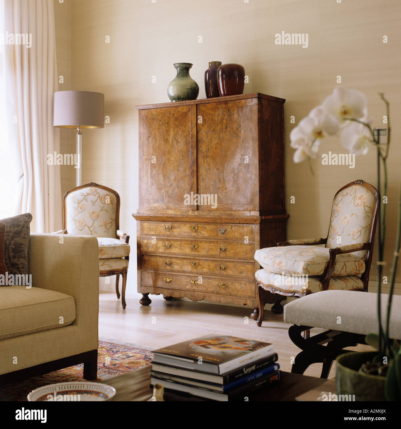 Louis xv living room furniture - Antique Walnut Cabinet And Louis Xv Chairs In Living Room Of London Apartment