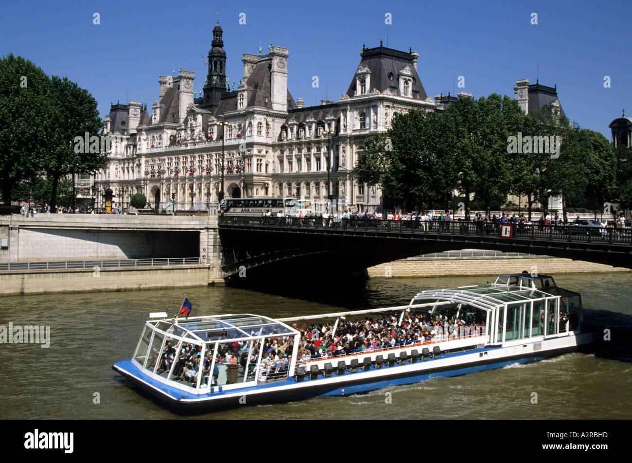 Paris Parisian Metropolitan Capital Ile De France City