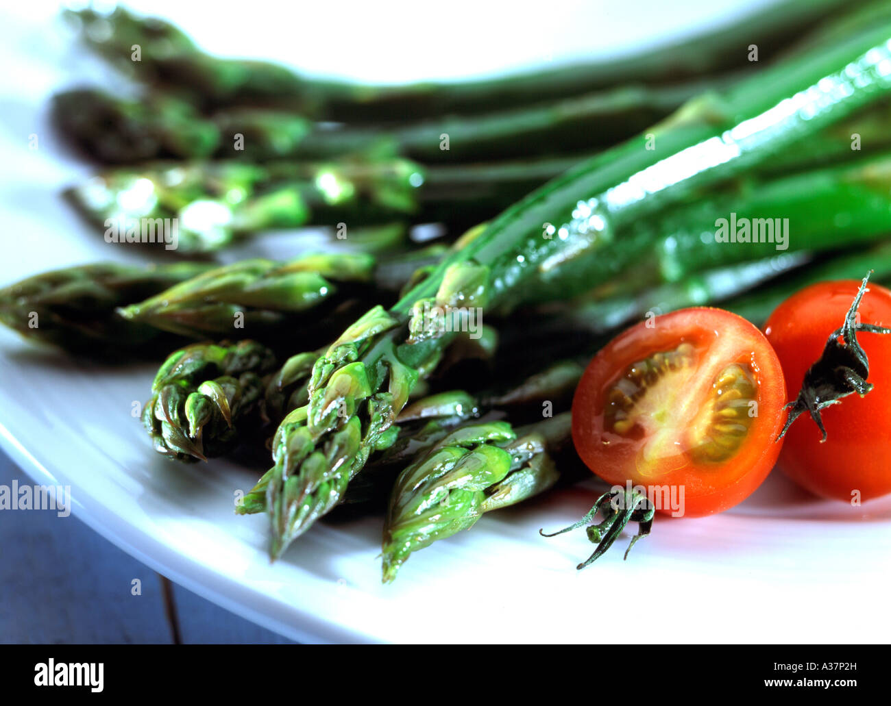 essen gruener spargel asparagus meal on a plate green asparagus stock photo royalty free image. Black Bedroom Furniture Sets. Home Design Ideas