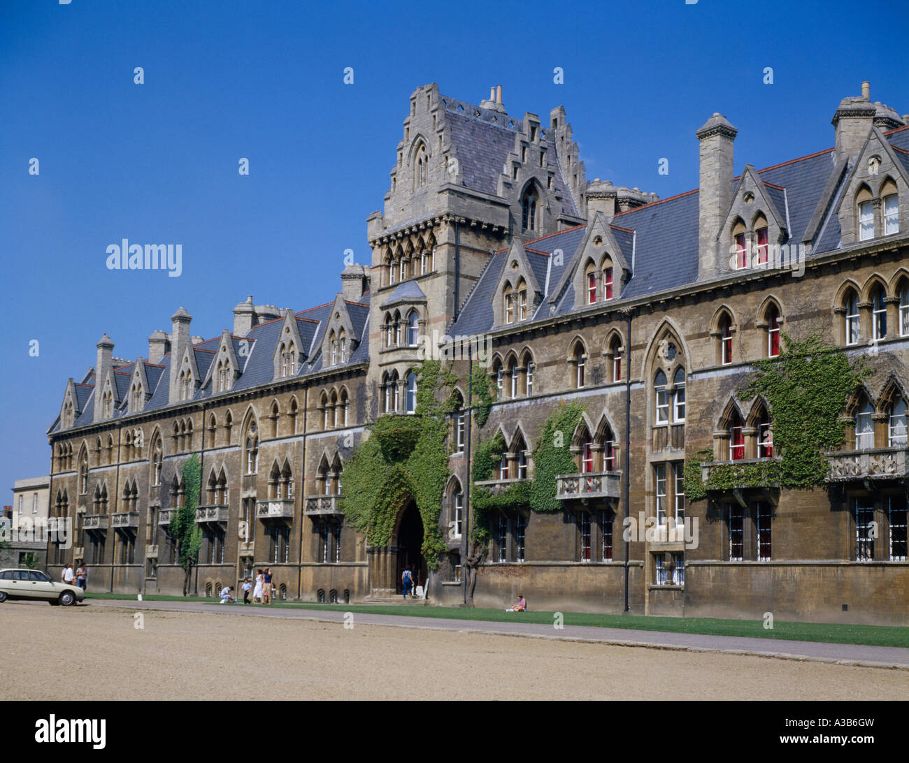 ENGLAND Oxfordshire Oxford University Architecture Christ Church College  With View Of Exterior