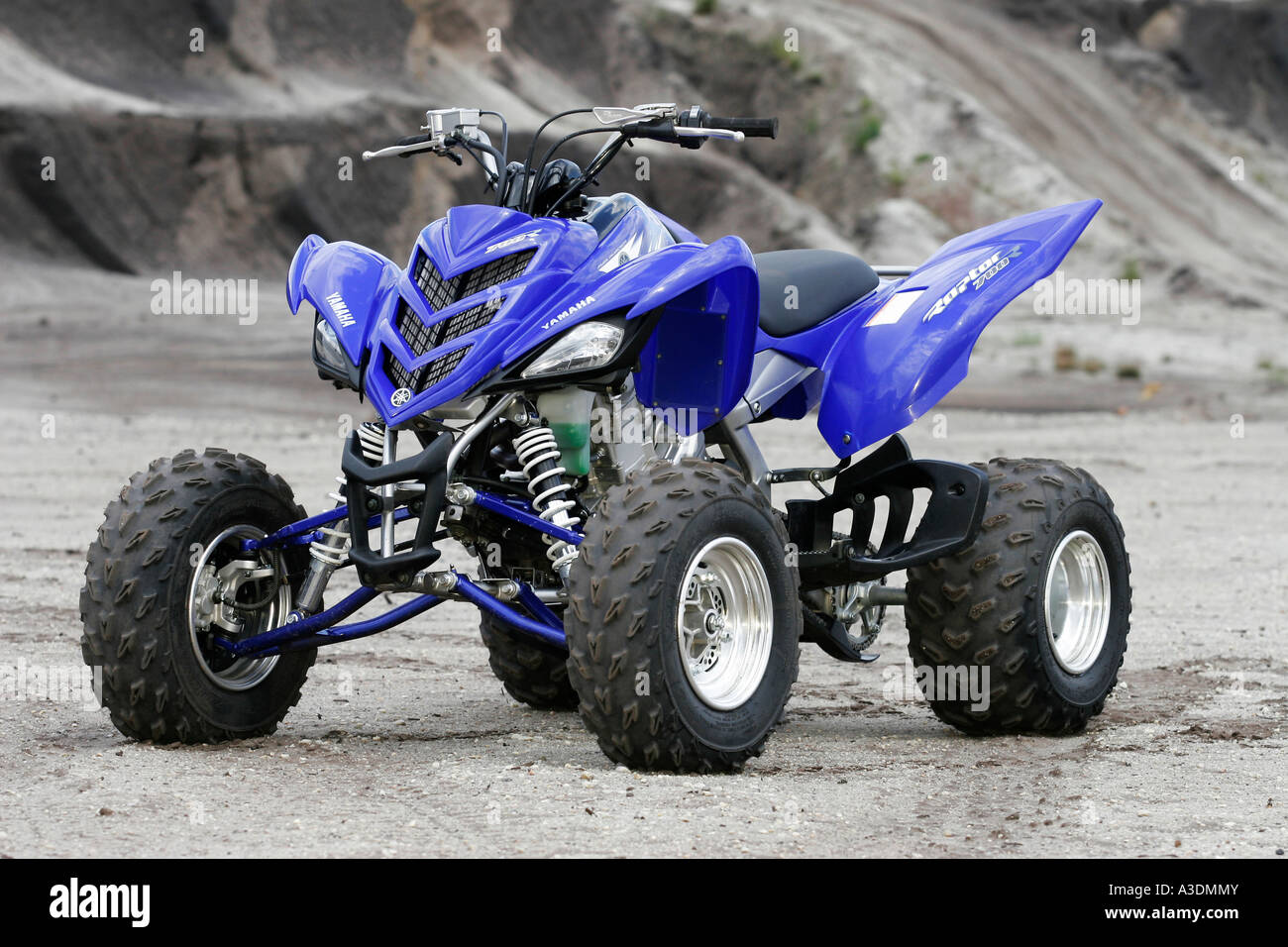 yamaha quad raptor 700 side view stock photo royalty free. Black Bedroom Furniture Sets. Home Design Ideas