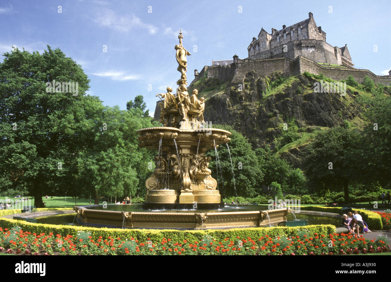 The Ross Fountain and Edinburgh Castle from Princes Street Gardens, Edinburgh, Scotland, UK.