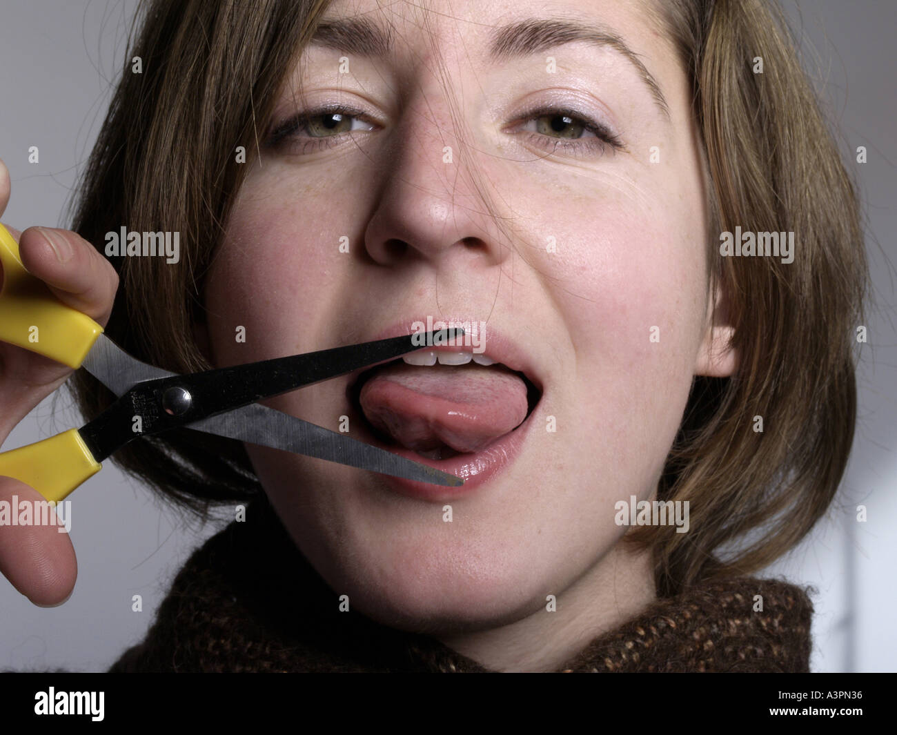 how to fix mouth cuts