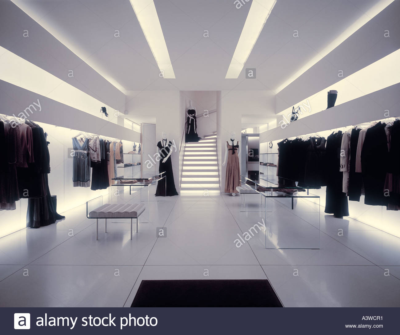 Clothing stores in paris france Clothing stores