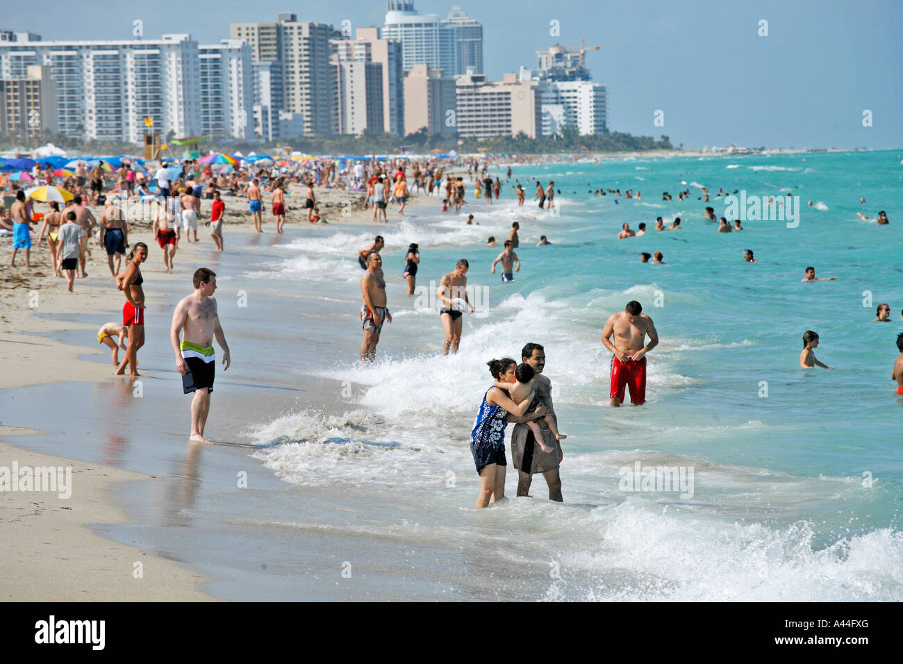USA FLORIDA People At The Beach Of MIAMI SOUTH BEACH