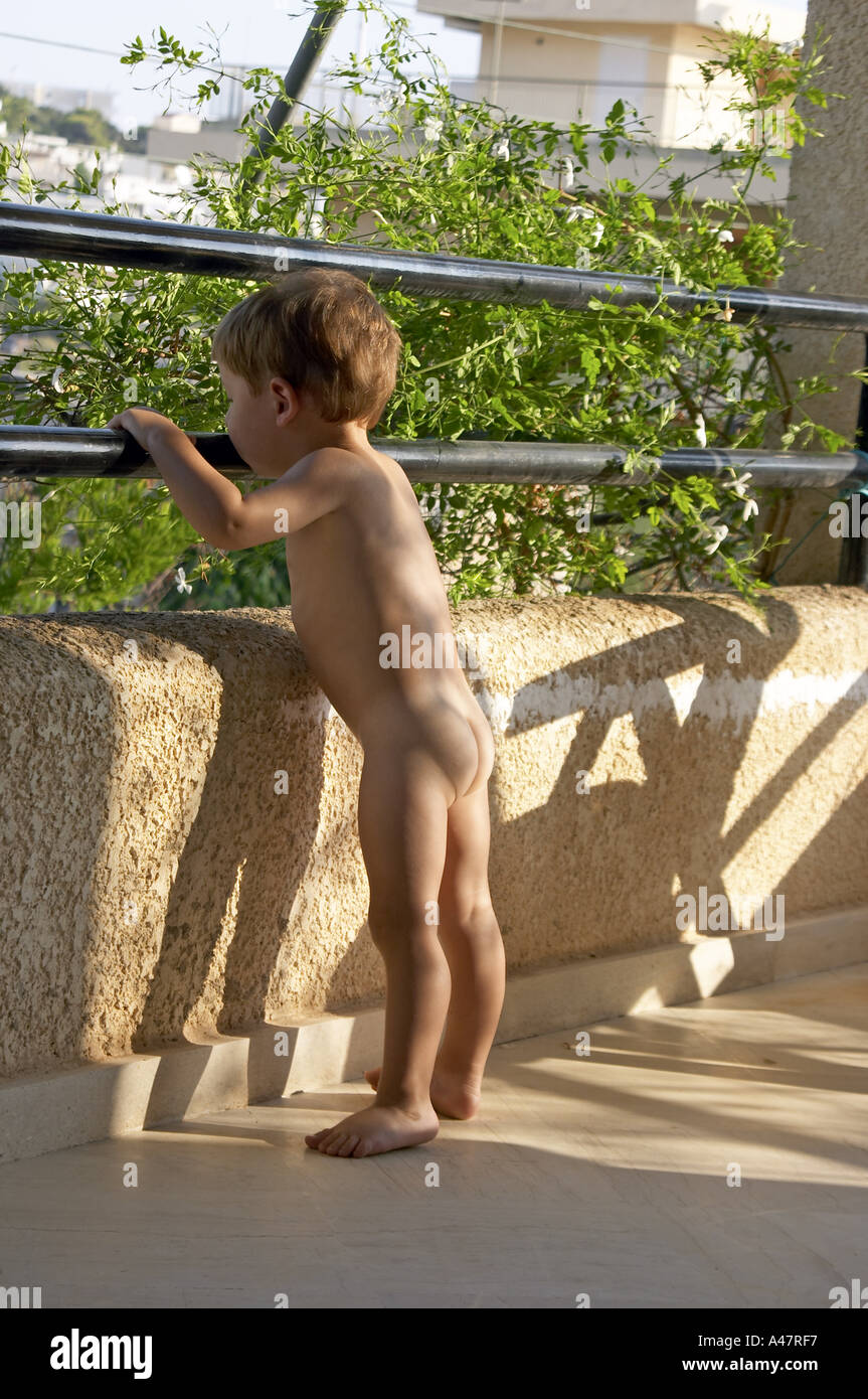 Free naked pics of young boys