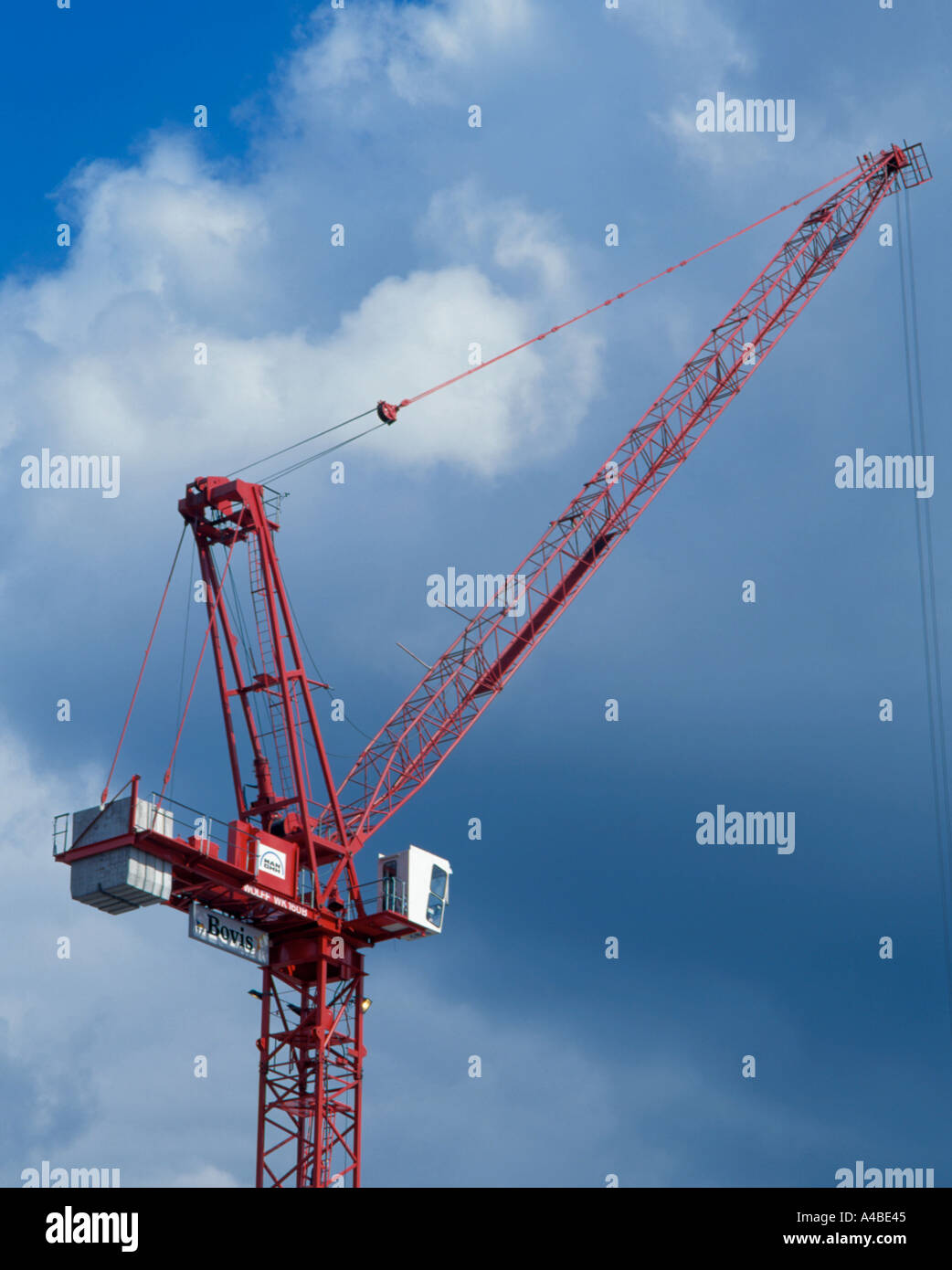 Pulleys In Cranes : Tower crane uk showing boom counter balance weights
